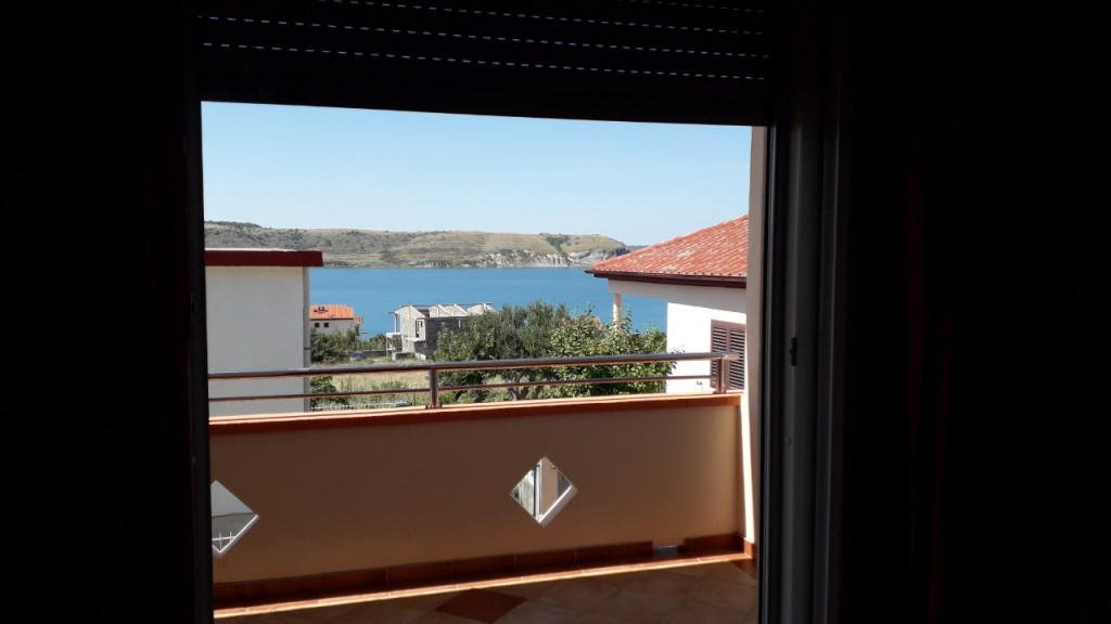 Cheap holiday apartment in Rtina Miocici (Northern Dalmatia) near the beach, 4/6 people, pets allowed
