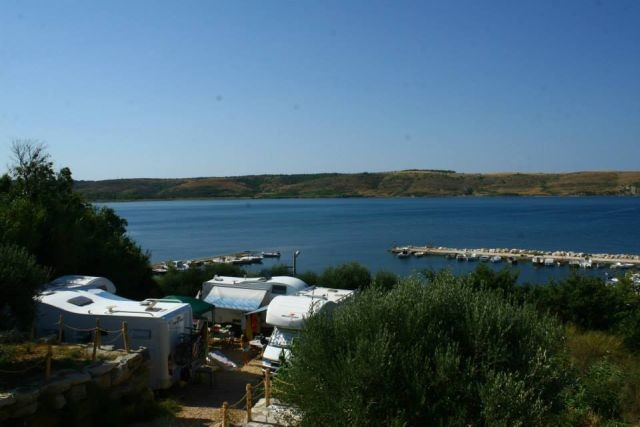 Camping for 60 people in Rtina Miocici near Pag island in Dalmatia directly by the lovely pebble beach