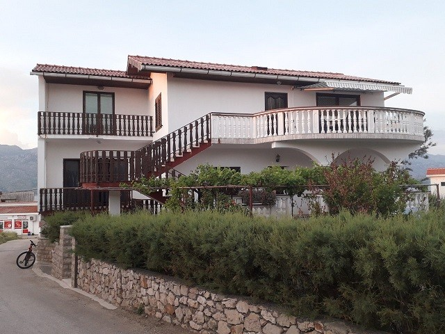 Holiday apartment for rent in Razanac for 6-8 people, 3 bedrooms, Zadar, Dalmatia