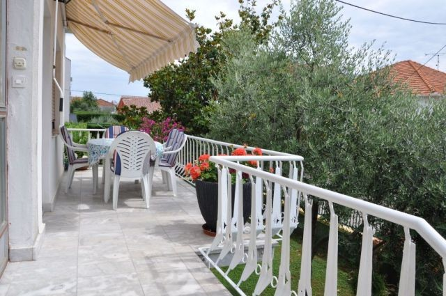 Affordable comfortable holiday house for 4 - 6 people in Zadar 2,5 km from the beach Kolovare